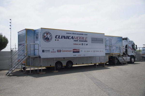 clinica mobile e unità mobile per i test sierologici ai turisti